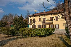 Traditional Italian farmhouse for sale in Piemonte -
