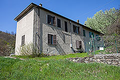 Italian farmhouse for sale in Piemonte - Character Farmhouse requiring improvement