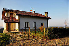 Country House for sale in Piemonte - Architect Designed Charmimg Villa situated in a panoramic position close to local village facilities