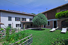 Italian Farmhouse for sale in Piemonte - Luxury Restored House with Pool,vineyard views, spacious accommodation and close to town facilities. Excellent holiday rental potential